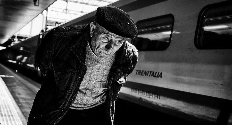 Railway Station #0687 by Roberto Di Patrizi on 500px.com
