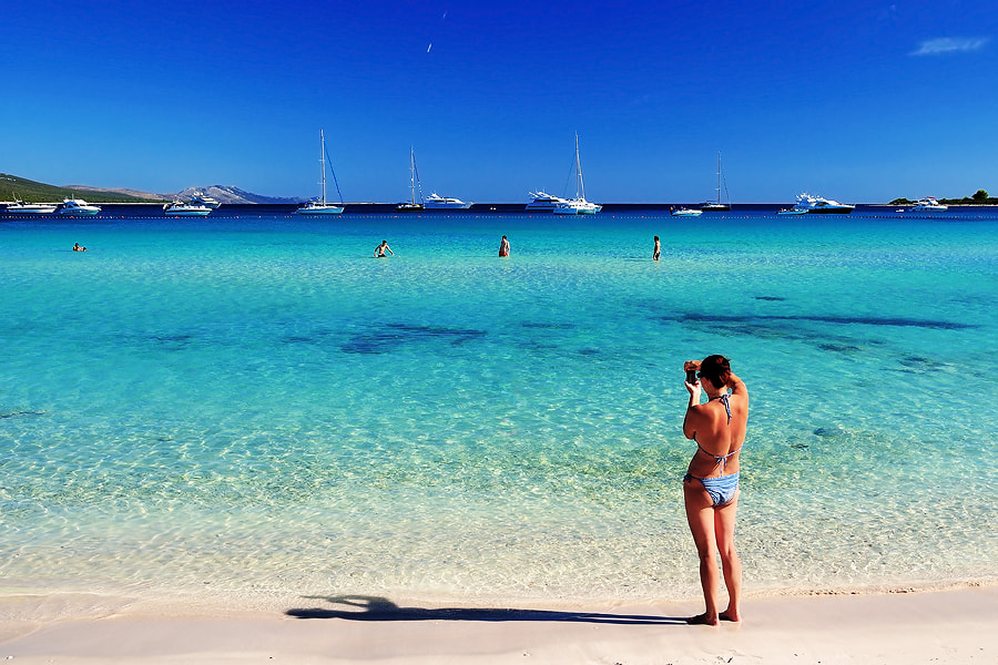 Snapping a perfect vacation shot on Saharun beach, Dugi Otok island, Croatia