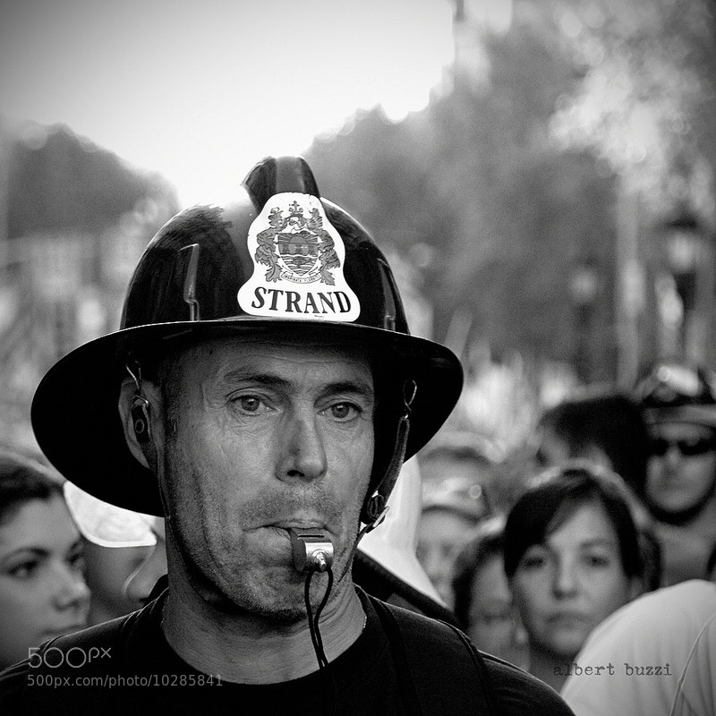 Photograph bomber (manifestació 19j) by albert buzzi on 500px