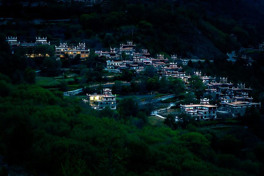 藏乡夜色 by 闲居半山  on 500px.com