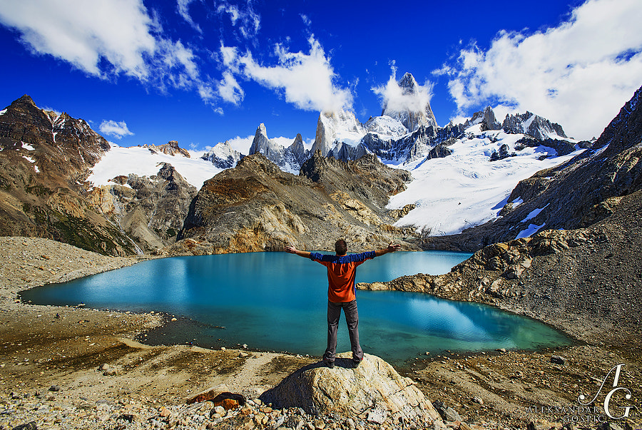 When after days of precipitation and hiding in the clouds I finally saw Fitz Roy (3405m) from the Laguna De Los Tres, one of the world's iconic mountains and sights, I was so happy I wanted to hug it :)