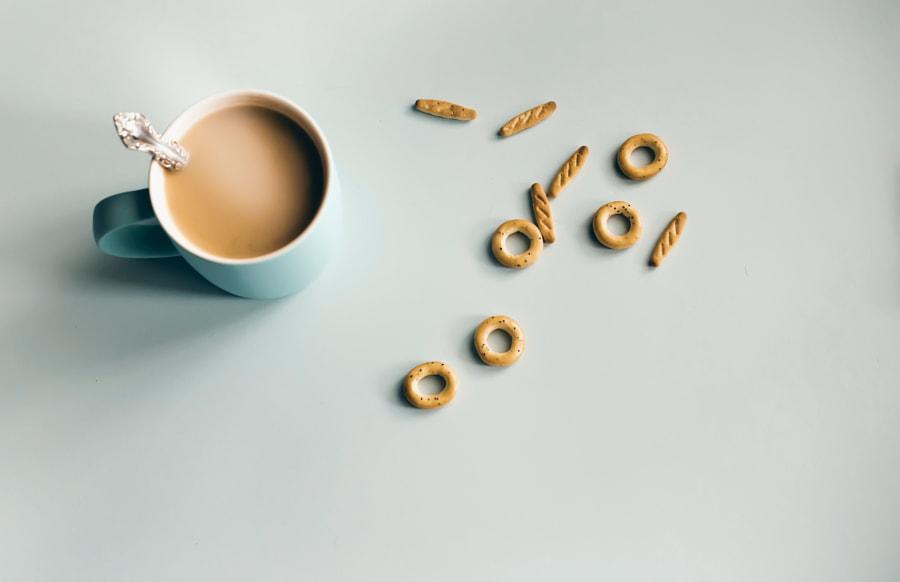 We drink coffee. We eat cookies. by Vitaly Stasov on 500px.com