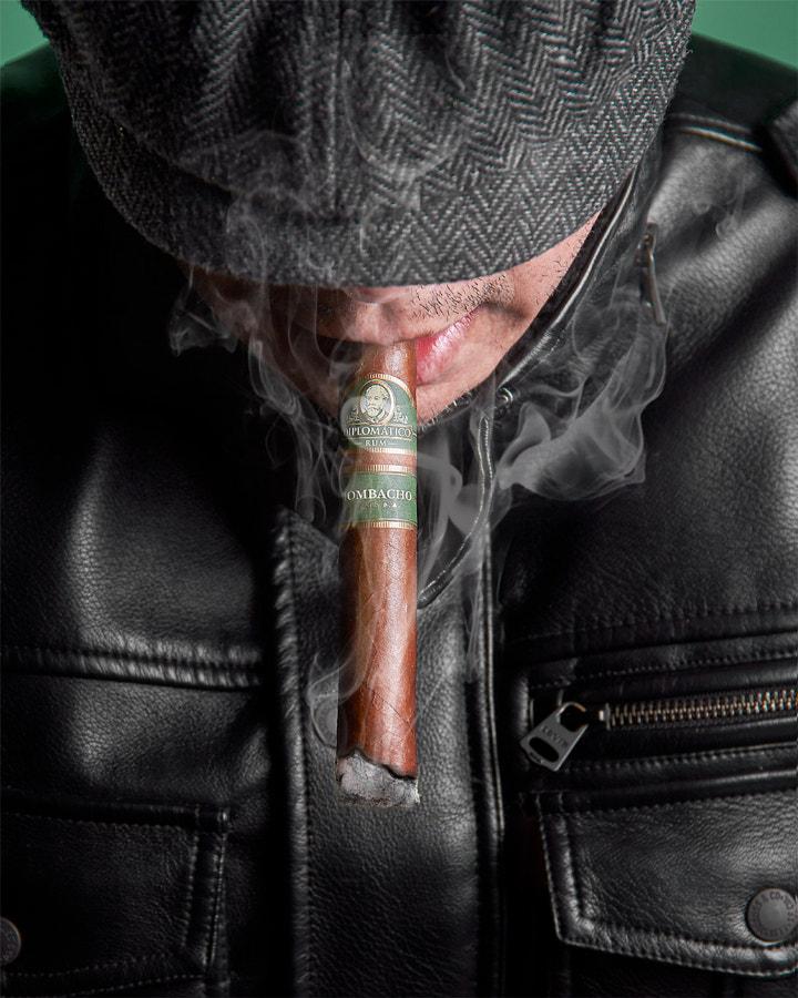 Smoking Cigar by Fabian Pulido Pardo on 500px.com