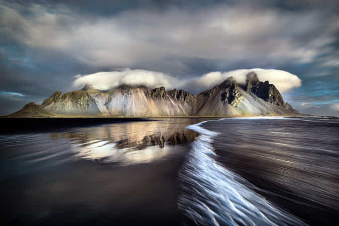 Vestrahorn in the morning by Robert Didierjean