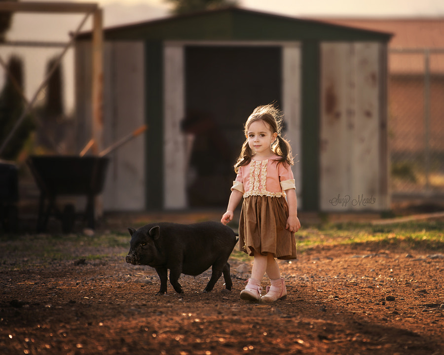 Mia and Piggy Lu by Suzy Mead on 500px.com