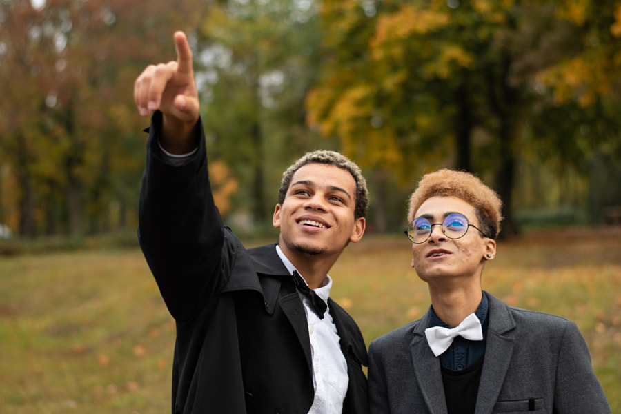 Happy young gay couple in park by Viktor Makhnov (Vysochin) on 500px.com