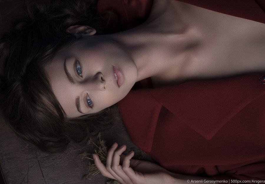 Fashion Portrait of model lying on table by Arsenii Gerasymenko on 500px.com