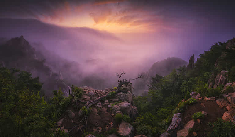 Daybreak on the Daedoon Mt. by Tiger Seo