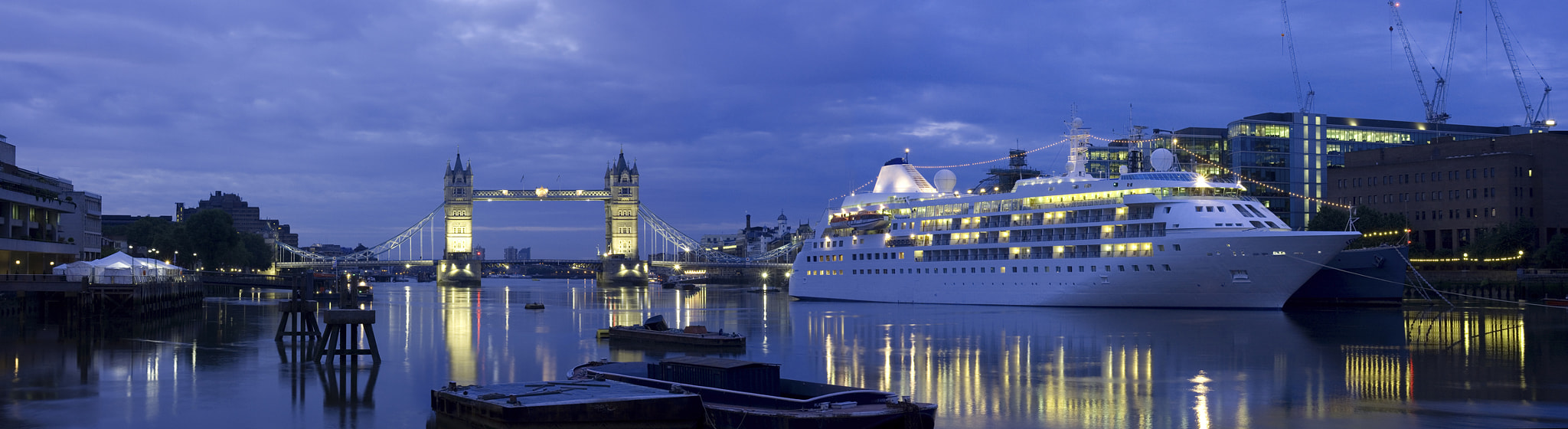 Photograph Tower Bridge at dawn panoramic  by Justin Sneddon on 500px