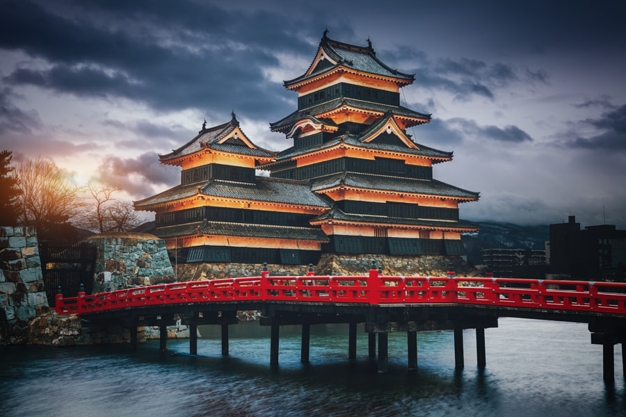 Matsumoto Castle at Twilight by Peter Stewart on 500px.com
