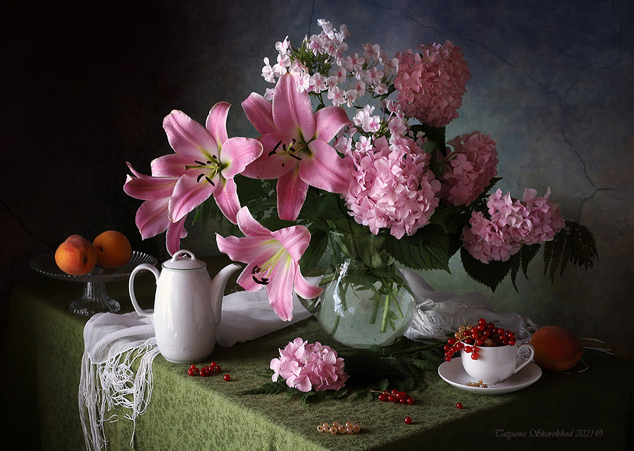 With a bouquet of lilies and fruits by Tatiana Skorokhod on 500px.com
