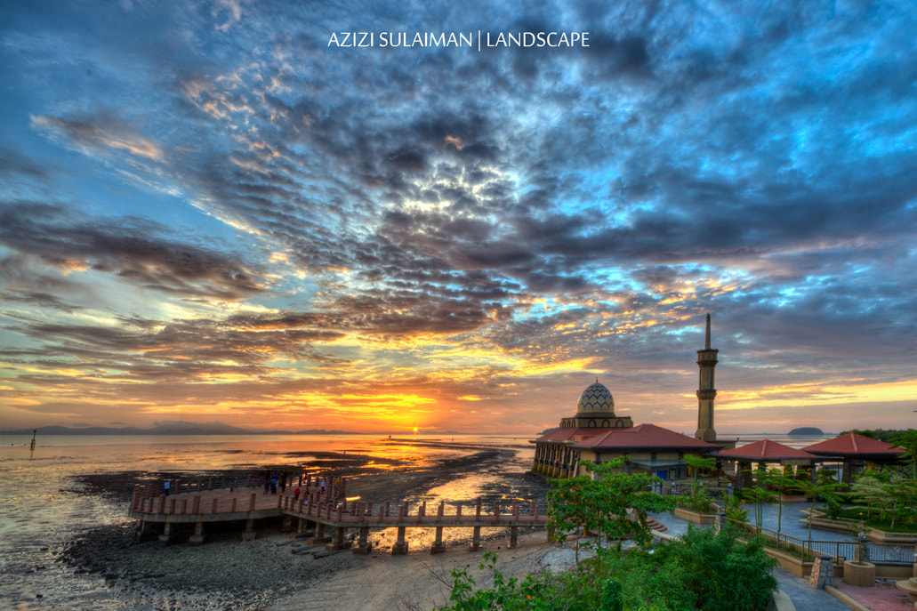 Photograph Al-Hussain Mosque by Azizi Sulaiman on 500px
