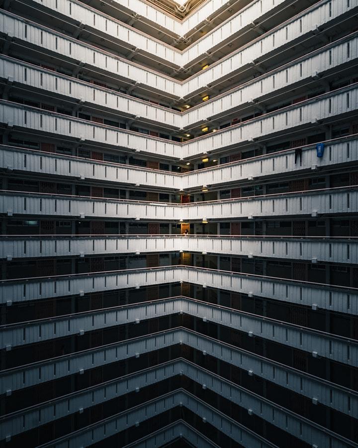 Chasing light in HK by Vitaly Tyuk on 500px.com