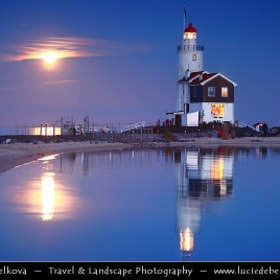 Netherlands - IJsselmeer - Giant Moon Rise over Marken Lighthouse on peninsula in IJsselmeer by Lucie Debelkova -  Travel Photography - www.luciedebelkova.com (-lucie-)) on 500px.com