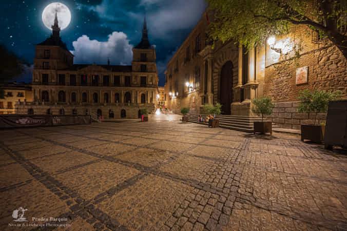 Toledo night by Pruden Barquin