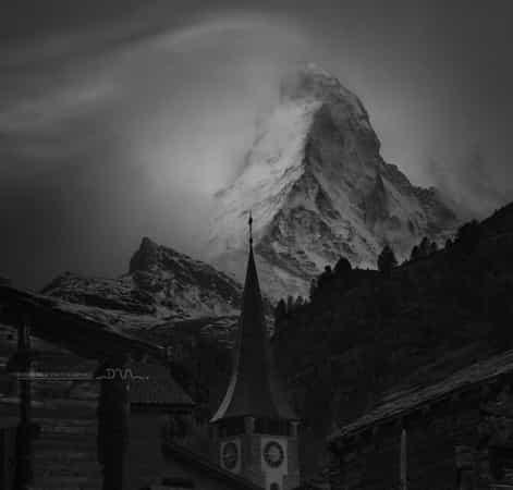 Night on Matterhorn by Daniel Metz