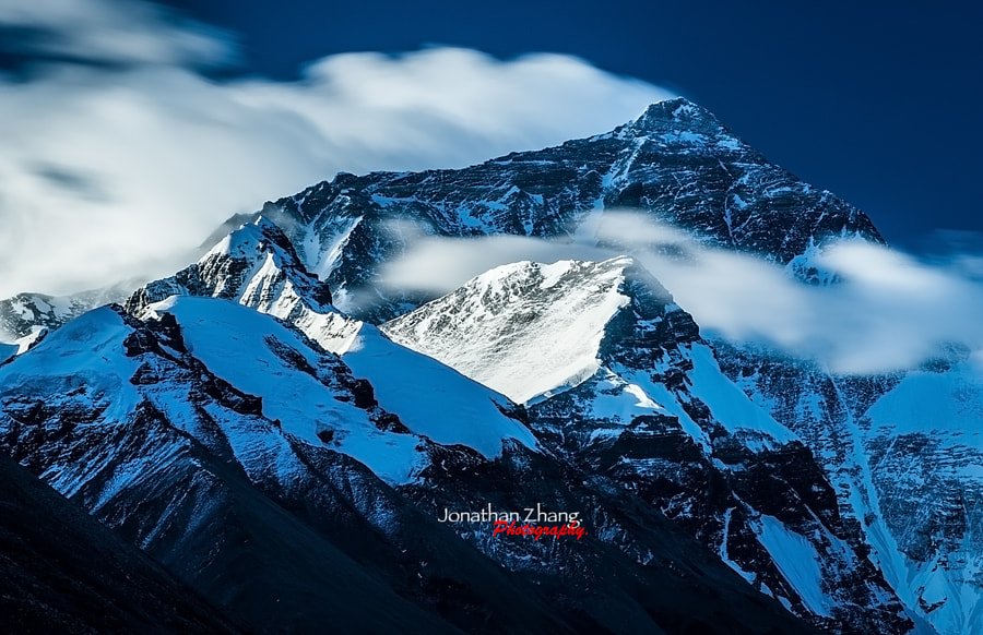 Mt Everest by Jonathan Zhang on 500px.com