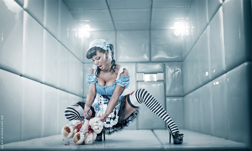 Photograph Psycho Alice by Olaf Giermann on 500px