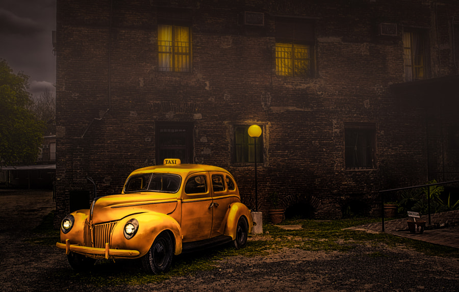 Photograph Dick Tracy´s by Oscar Mazza on 500px