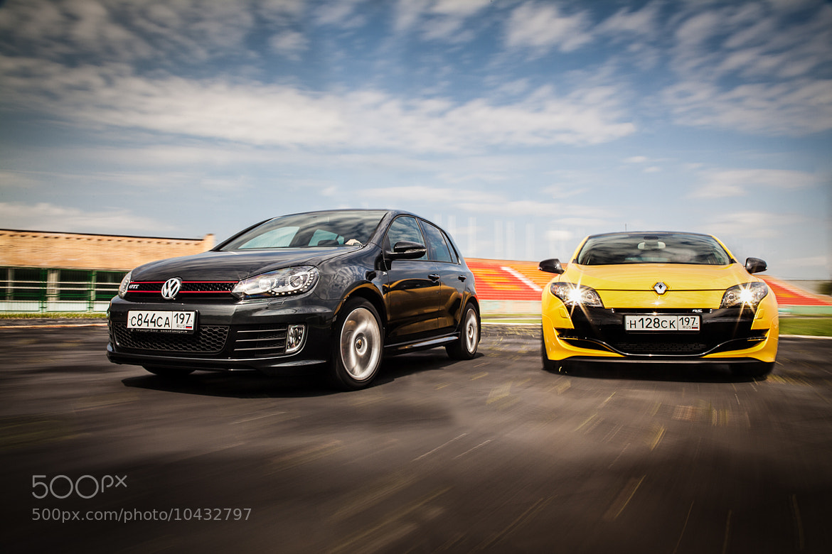 Photograph VW Golf GTI 35th edition vs. Renault Megane RS by Rustem Tagirov on 500px