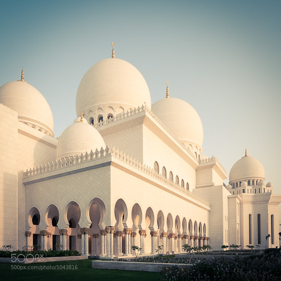 Photograph Abu Dhabi Grand Mosque by Rey Amio on 500px