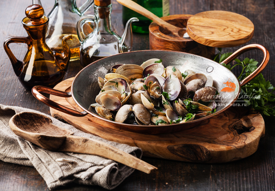 vongole venus clams with parsley