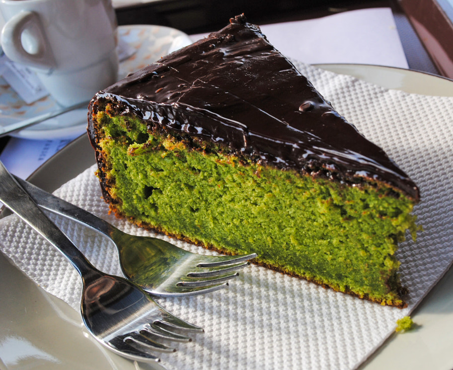 Photograph Green Chocolate Cake by Pedro Carreira on 500px
