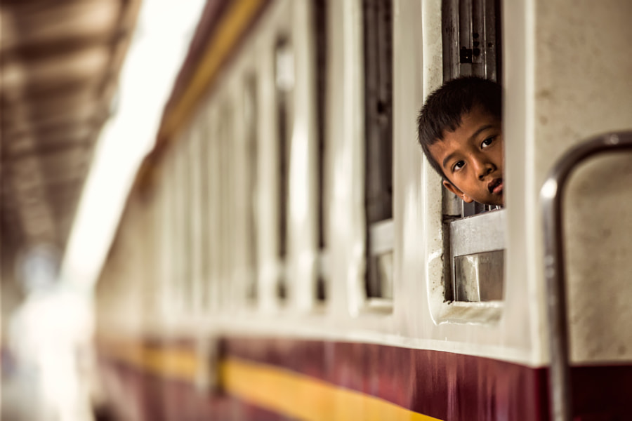 Little boy looking out of the window by Milton Louiz on 500px.com