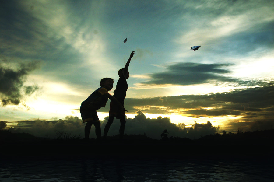 Photograph Playing by 3 Joko on 500px