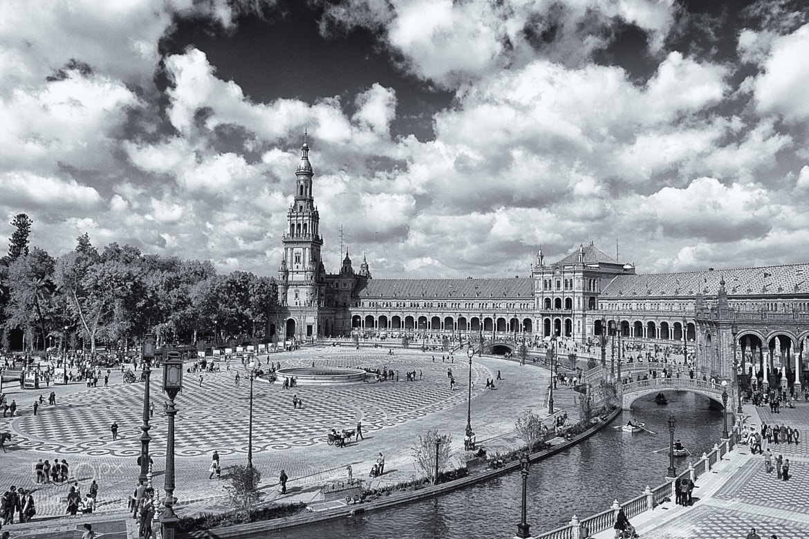 Photograph Plaza de España, Sevilla by Lola Camacho on 500px