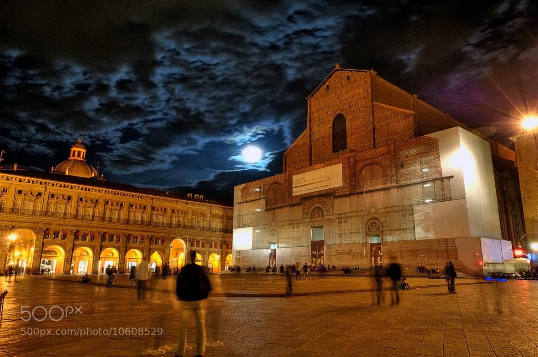 Photograph San Petronio Basilica, Bologna Piazza Maggiore by Haydar Turkhan on 500px