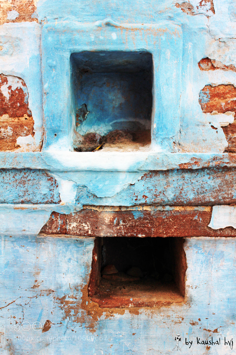 Photograph wall with hole by Kaushal hvj on 500px
