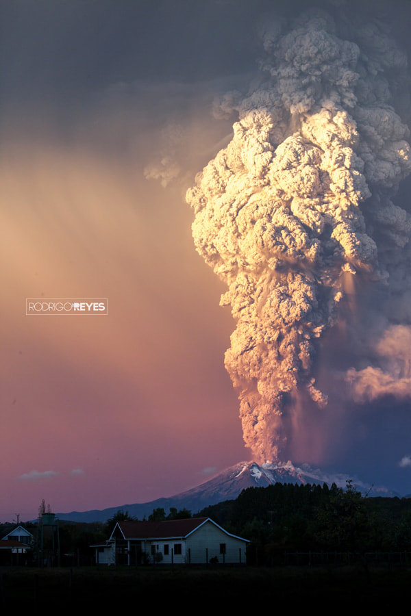 Photograph Volcán Calbuco 2015 by Rodrigo Reyes on 500px