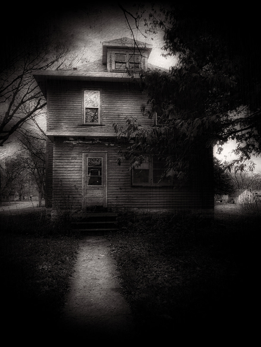 Photograph The House On The Corner by Dave Linscheid on 500px