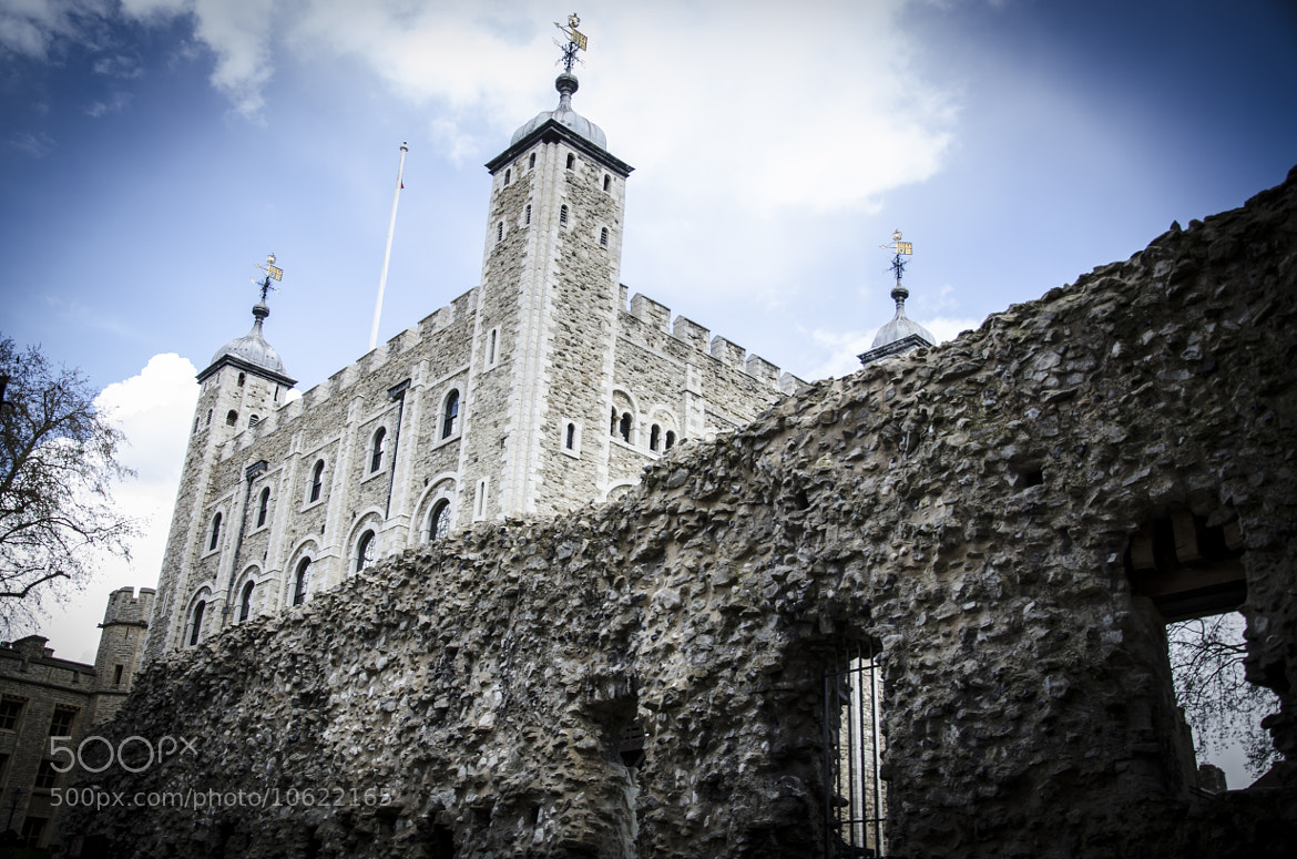Photograph The Tower of London by Miguel Bustos on 500px