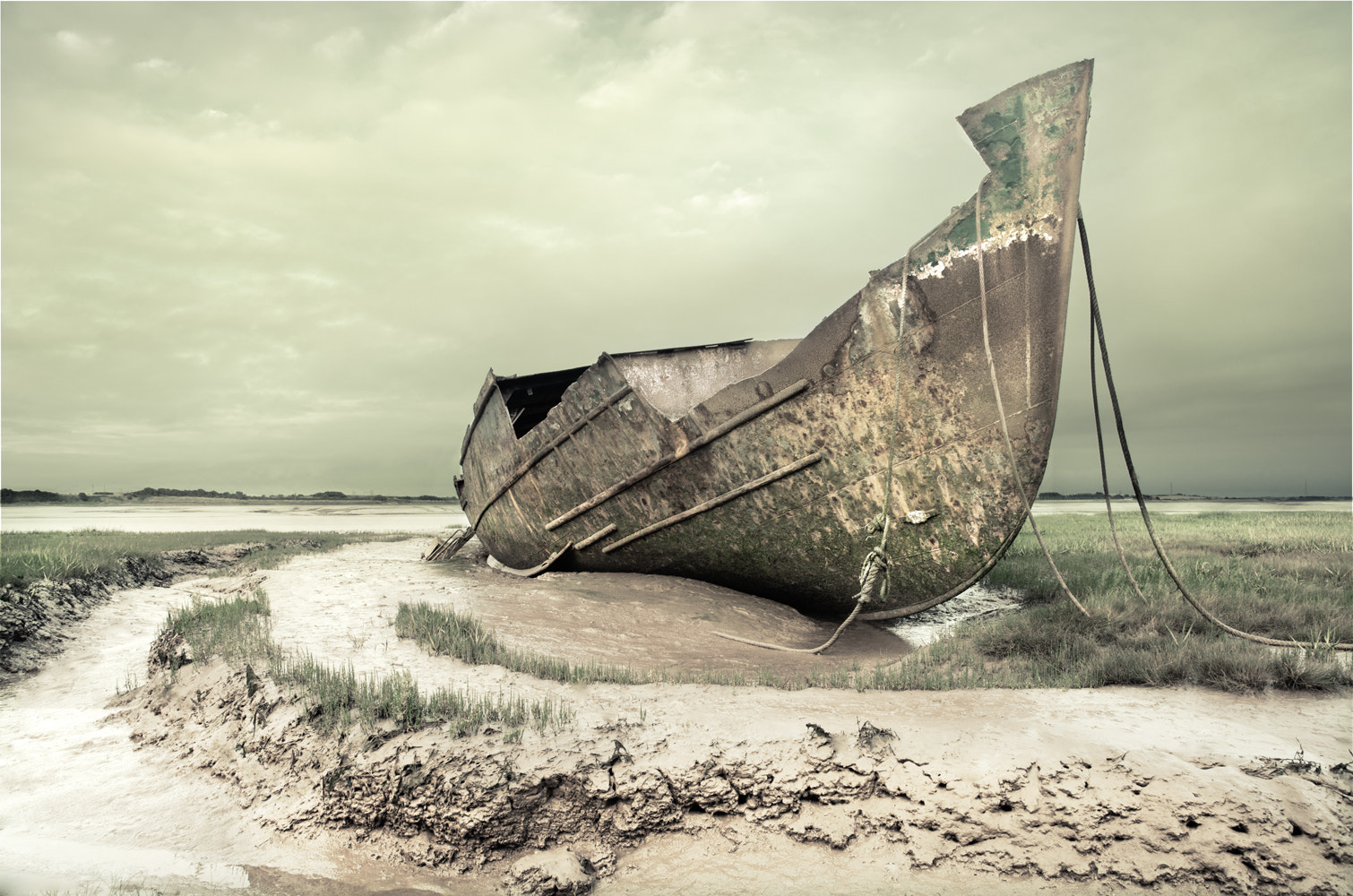 Photograph washed up by Danny Allison on 500px