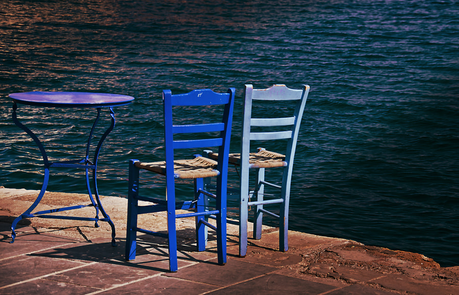 Photograph A table for two at sea front by Sirinat Tanamai on 500px