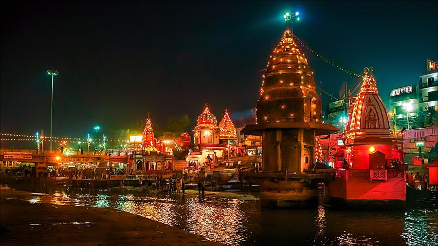 Har Ki Pauri - Haridwar by Henk oochappan on 500px.com