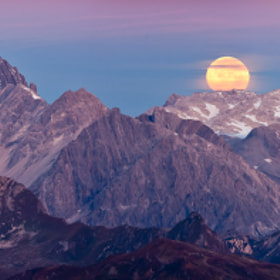 Full Moon over the alps by Johannes Netzer (johannesnetzer)) on 500px.com