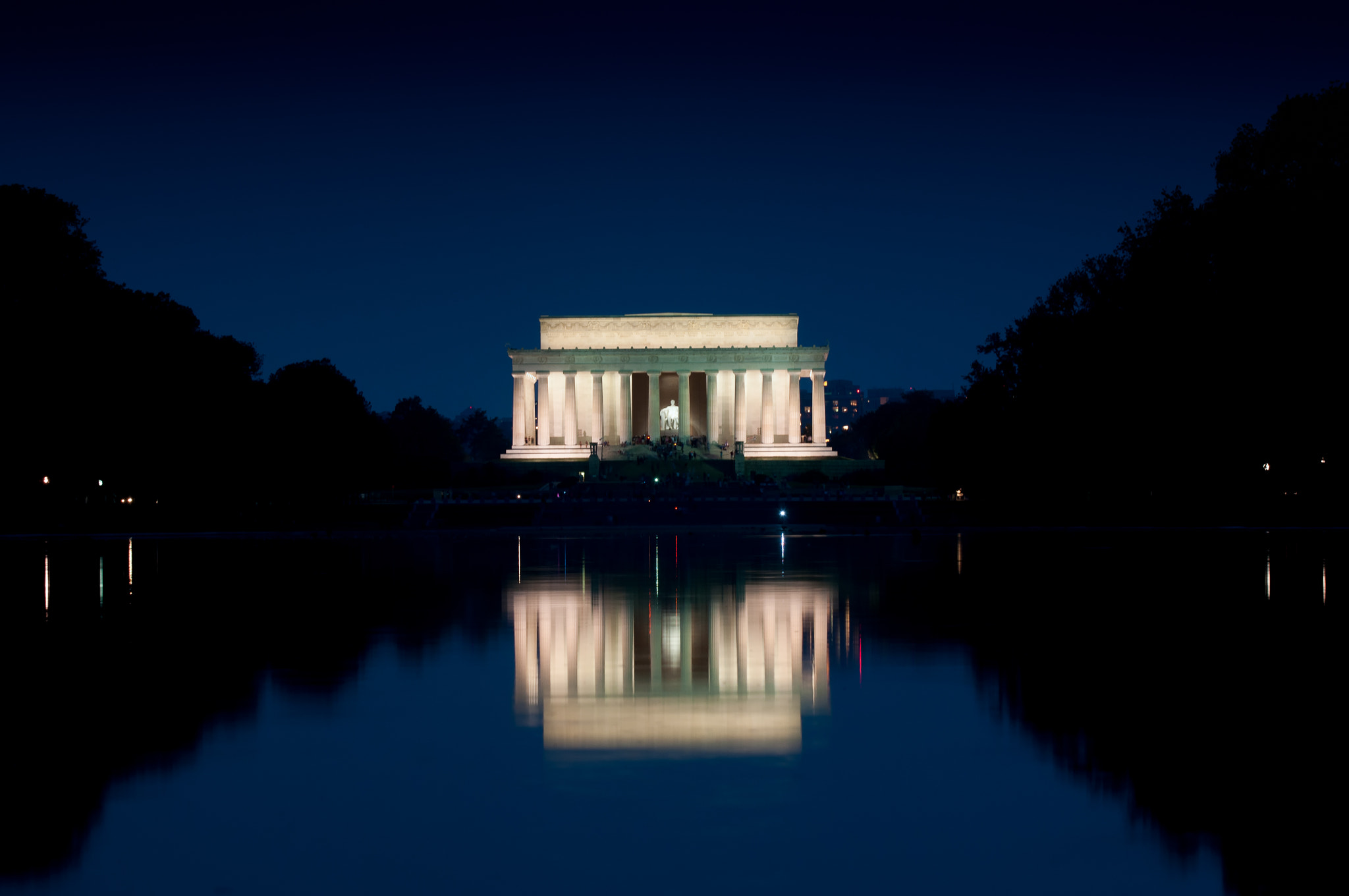 Photograph Lincoln Memorial at Night by Andy Brown on 500px