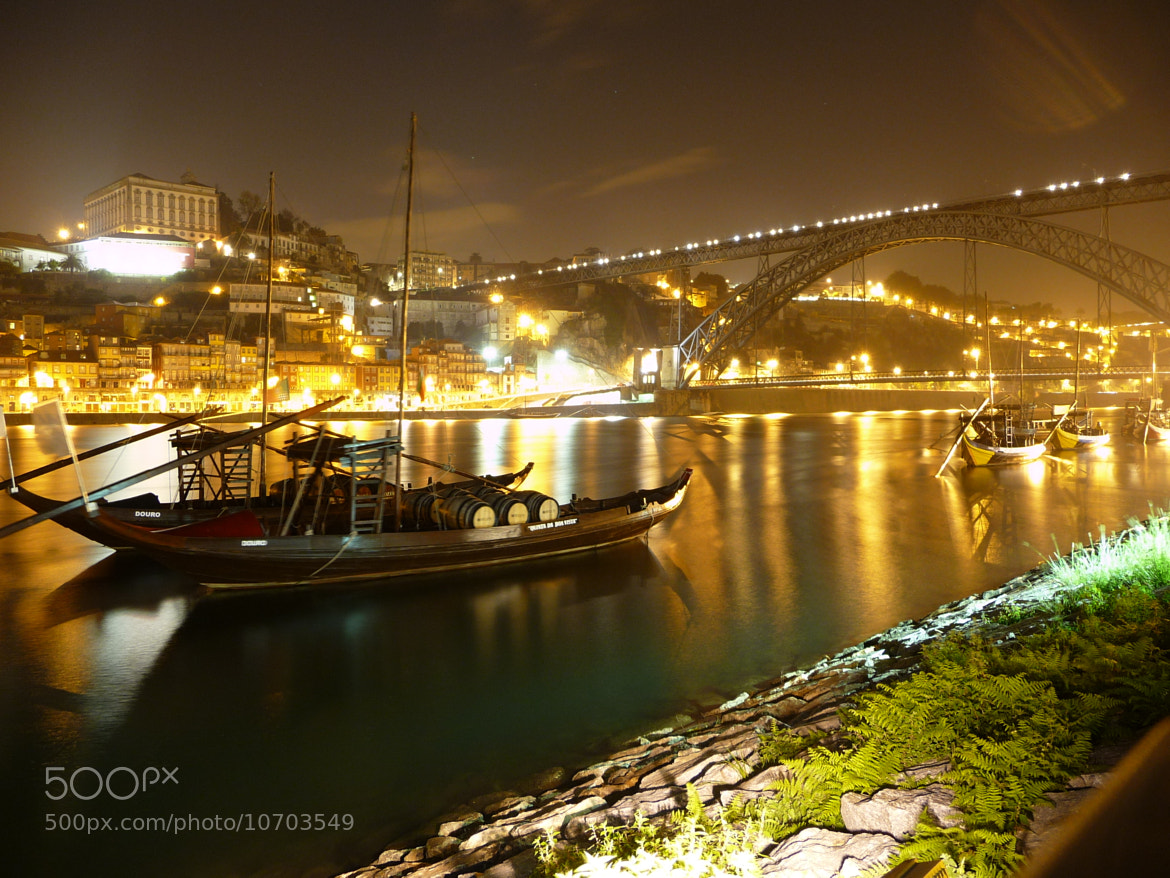 Photograph The boats and the iron bridge by M. Graciette V. Coelho on 500px