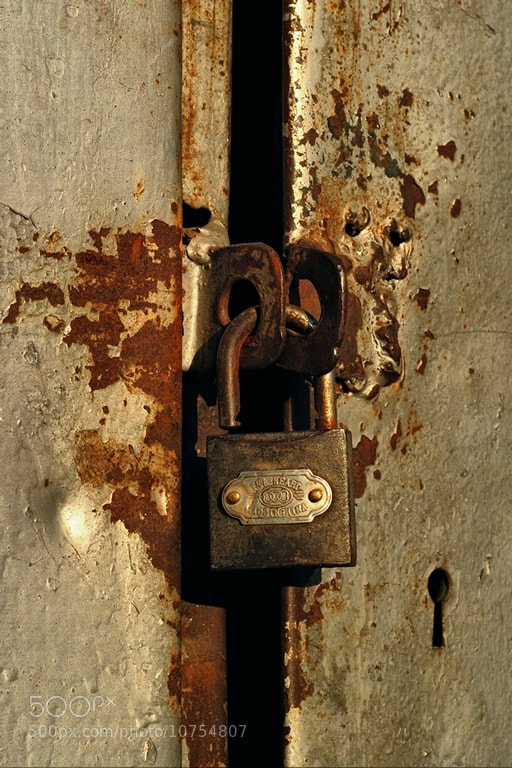 Photograph unlocked rust-keeper by Ioan  Bodean on 500px