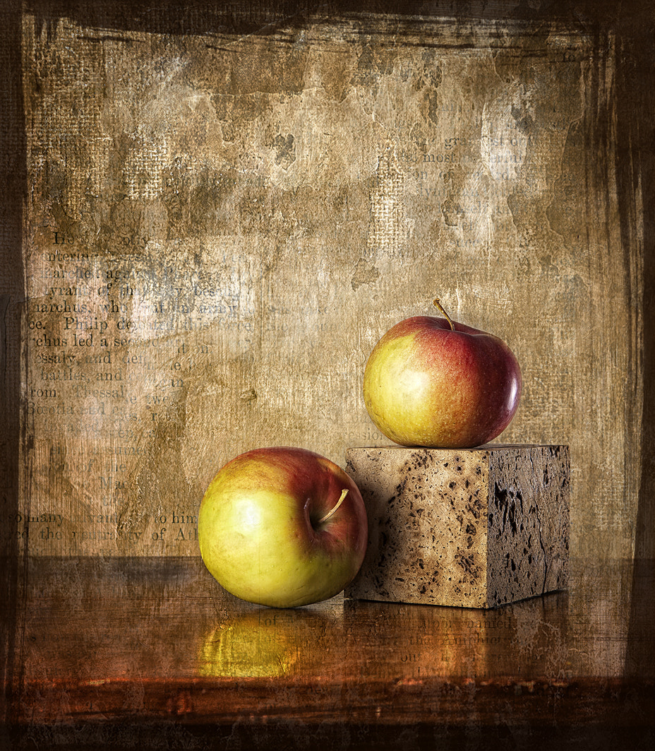 Photograph Dos manzanas by Txema Lacunza on 500px