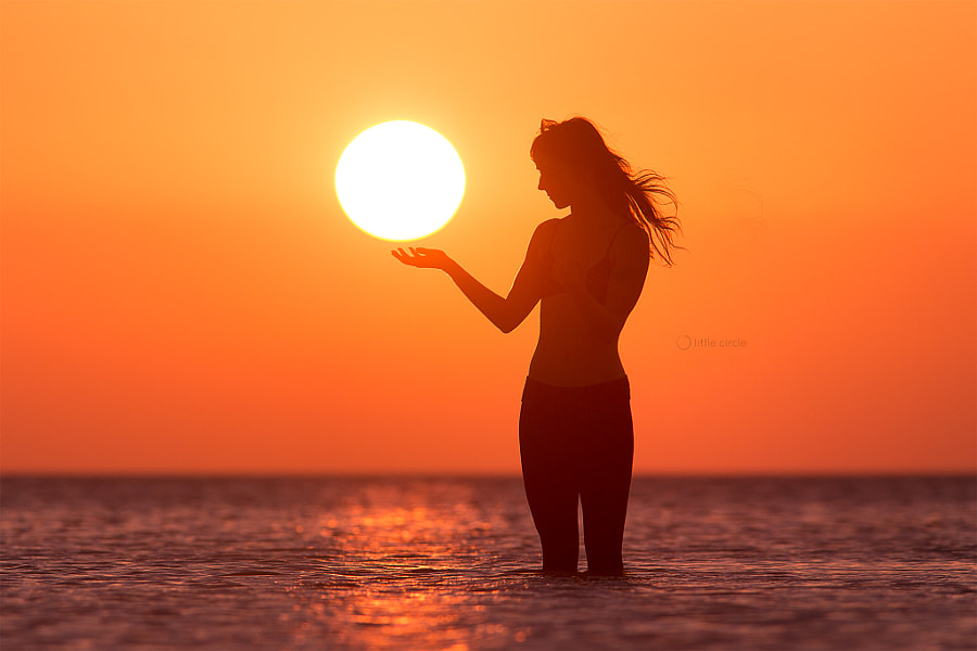 Photograph Holding the sun by Eric  Paré on 500px