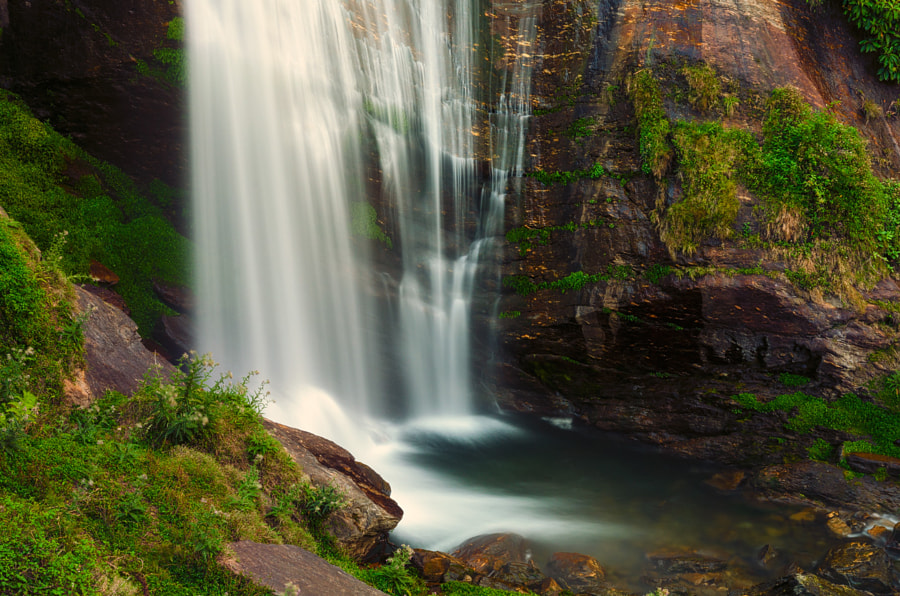 Jagat Waterfall by Tanis Kodrun on 500px.com