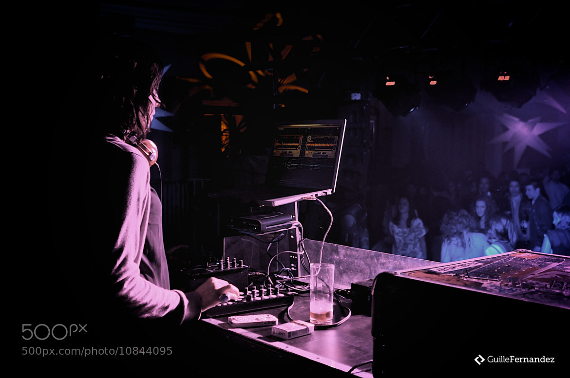Photograph DJ Girl by Guillermo Fernandez Brombley on 500px