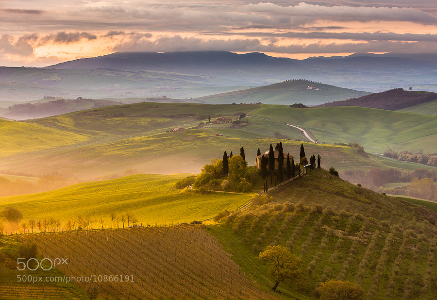 "<a href=""http://www.hanskrusephotography.com/Landscapes/Tuscany/7561797_L8HLXs#!i=1998690868&k=955cfCh&lb=1&s=A"">See a larger version here</a>
