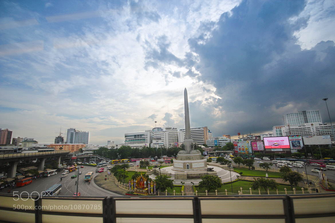 Photograph Victory Monument by Kiattikun Suttiwong on 500px