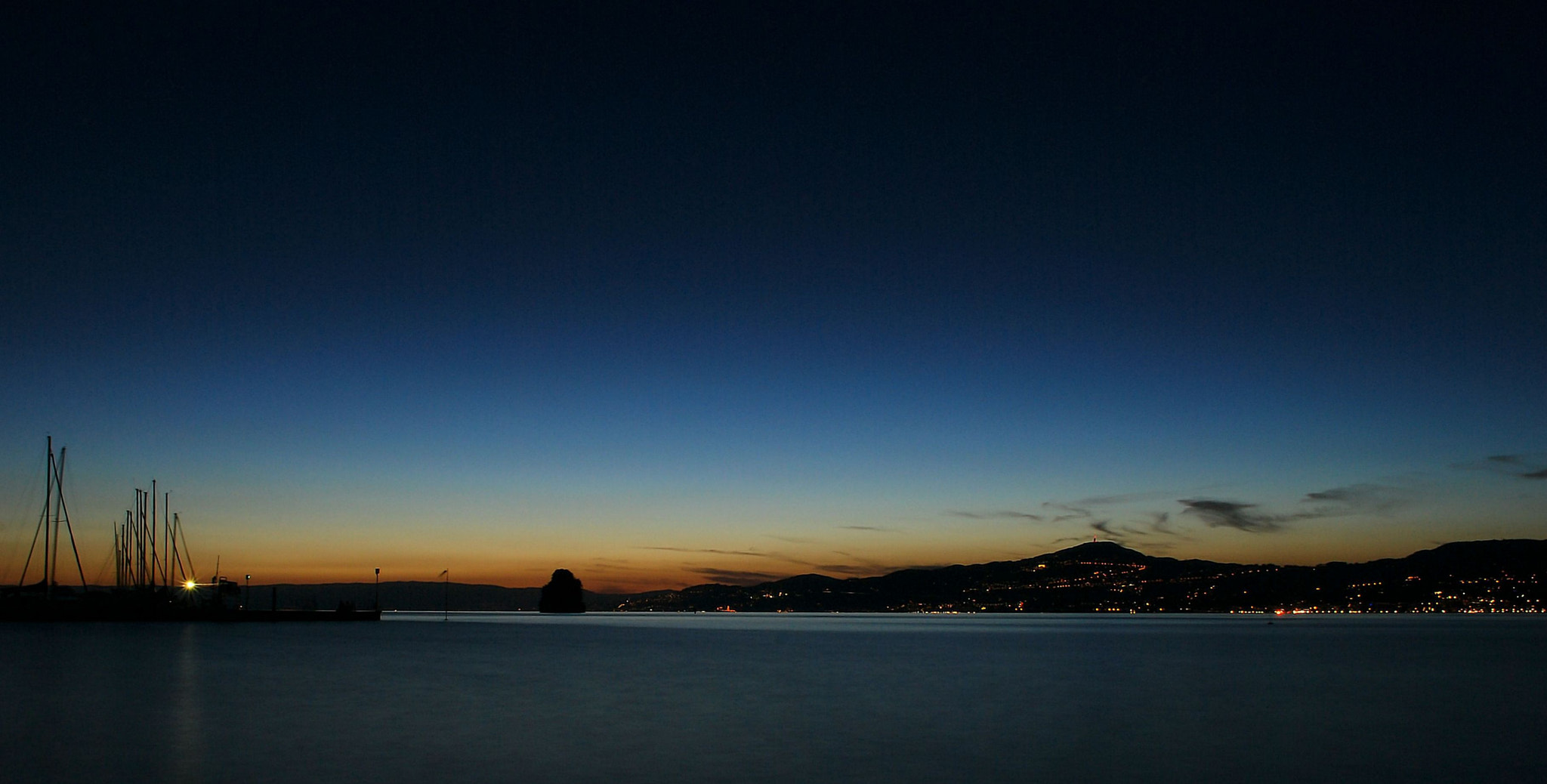 Photograph Lake at night by Fabio Kan on 500px