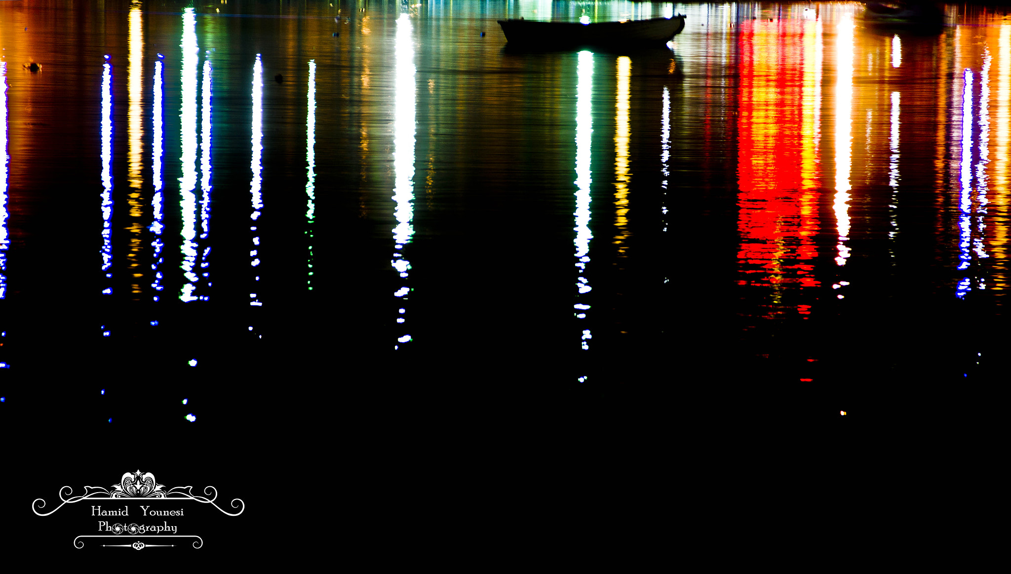 Photograph Light's Reflection by Hamid Younesi on 500px